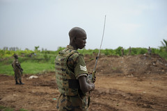 2013_11_10_Afgoye_Road_Works_B.jpg (AMISOM Public Information) Tags: africa road farmers soldiers ist roadwork somalia sna africanunion afgooye afgoye amisom roadgrading tobinjones