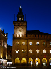Downtown #Bologna at dawn Palazzo Accursio al crepuscolo #MyBologna @BolognaWelcome #photo (Marco Baciocchi Photography) Tags: blue italy tower clock dawn lights downtown centro bologna municipio crepuscolo historicalcity