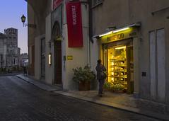 (David Pomfret) Tags: italy earlymorning mantova mantua panificio italianbakery