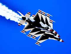 Thunderbirds 3 (lightstagephotography) Tags: force air jets airplanes luke airshow f16 thunderbirds airforce base afb