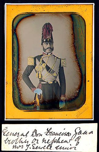 Daguerrotipo del joven José Francisco Gana Castro (Talca, 19 de febrero de 1828 - † Barcelona, 1894) militar chileno. A los 15 años ingresó a la Academia Militar, Fue jefe del ejército en la guerra civil de 1891.  ¿podria ser un uniforme frances?