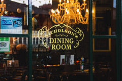 Hay's Galleria, London - Maggio 2013. (Mafalda de Simone) Tags: street trip portrait people food london digital dinner canon de photography restaurant mirror pub simone streetphotography londra mafalda mafaldadesimone canon550d canoneos550d