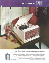 MOTOROLA Radio, Phonograph Dealer Portfolio (USA 1957)_07 (MarkAmsterdam) Tags: old classic sign metal museum radio vintage advertising design early tv portable colorful fifties tsf mark ad tube battery engineering pickup retro advertisement collection plastic equipment deck tape electronics era handheld sheet booklet collectible portfolio recorder eames electrical atomic brochure console folder forties fernseher sixties transistor phono phonograph dealer cartridge carradio fashioned transistorradio tuberadio pocketradio 50s 60s musiktruhe tableradio magnetophon plaskon 40s kitchenradio meijster markmeijster markamsterdam coatradio tovertoom