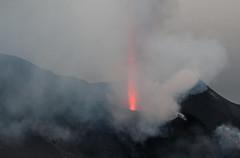 Explosion au Stromboli (3) (jfgornet) Tags: explosion bateau italie stromboli volcan iles vacancesdt mg2866 ilesoliennes