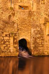 Fougeres - fossato (bal1) Tags: francia bretagna fougeres castello castle fortezza monumenti notturno