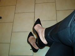 IM006359 (grandmacaon) Tags: pumps highheels escarpins lowcutshoes pepejimenez