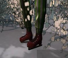 Merry Crisis 4 (Vylna Daviau) Tags: mesh secondlife redrum gatcha deathrowdesigns