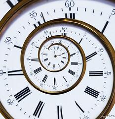 Montre (vostok 91) Tags: canon spiral eos watch gimp recursive escher effect spirale drosteeffect montre droste effet sigma1850mm 600d mathmap rebelt3i img95740