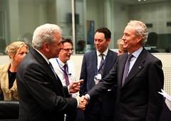 Ο ΥΕΘΑ Δ. Αβραμόπουλος με τον Υπουργό Άμυνας της Ισπανίας, Pedro Eulate Morenes
