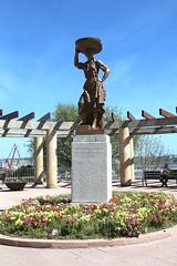 Monumento a la Sardinera santurtzi 010 (BeSanturtzi) Tags: parque bizkaia sardinas santurtzi virgendelcarmen sardinera santurtziberriak monumentoalasardinera