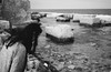 looking down (gorbot.) Tags: sea blackandwhite spring rangefinder sicily roberta sicilia lightroom mmount leicam8 voigtlander28mmultronf19 vscofilm