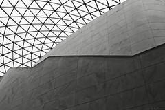 British museum geometry / Geometrico M.B. (Luis DLF) Tags: british museum geometry geometria lines lineas blackandwhite blanco negro formas forrms lights shadows london uk museo londres