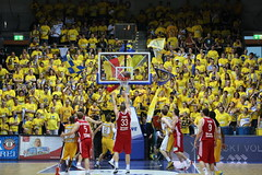 oldenburg EWE BASKETS vs BAMBERG GAME 2 foto by OlDigitalEye 2103 06 12 5203 (oldigitaleye) Tags: public basketball sport deutschland bamberg viewing gemany oldenburg pp niedersachsen lowersaxony bbl ewearena oldigitaleye ewebasketsoldenburg brosebasketsbamberg