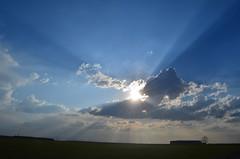 DSC_1136 (Alberto Fer.) Tags: nube cielo aire libre sol rayo rayos tordesillas valladolid castilla y leon espaa spain paisaje campo nubes nikon 5100
