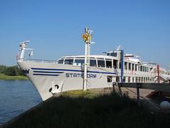 Schip Statendam Arnhem (Arthur-A) Tags: cruise netherlands river ship arnhem nederland cruiseship rhine rijn schip rivier rhinecruise statendam