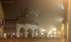nebbia cittadina (massimo mazzoni 78) Tags: city italy fog night square italia piazza nebbia piacenza notte citt palazzogotico piazzacavalligotico