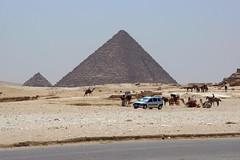 piramide di Micerino (giussav50) Tags: egypt cairo pyramids giza egitto egypte piramidi menkaure ilcairo egizi micerino