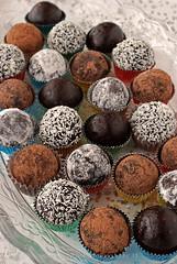 Vegan raw truffles (Akane86) Tags: christmas navidad vegan raw sweet chocolate dulce truffles sugarless trufas