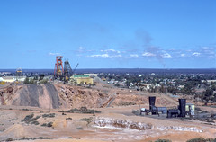 West Australia (scuba_dooba) Tags: australia film ektachrome 200 flatbed scan scanner scanning epson gt7000 gt 7000 photo nikon fe 35mm slides kalgoorlie west gold mining mine plustek 7200dpi reel2