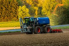 Saddle-Trac (Fotos aus OWL) Tags: traktor landwirtschaft agriculture claas xerion