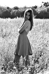 DSC_0628 (Solène Tarrieu) Tags: people love fleurs nikon heart robe blueeyes femme champs bordeaux amour surprise belle lovely campagne bonheur perfection mots peau hairs perdue douceur peur perfectly oublie émotions parfaite gravés percutant sentim d3100 nikond3100 solènetarrieu