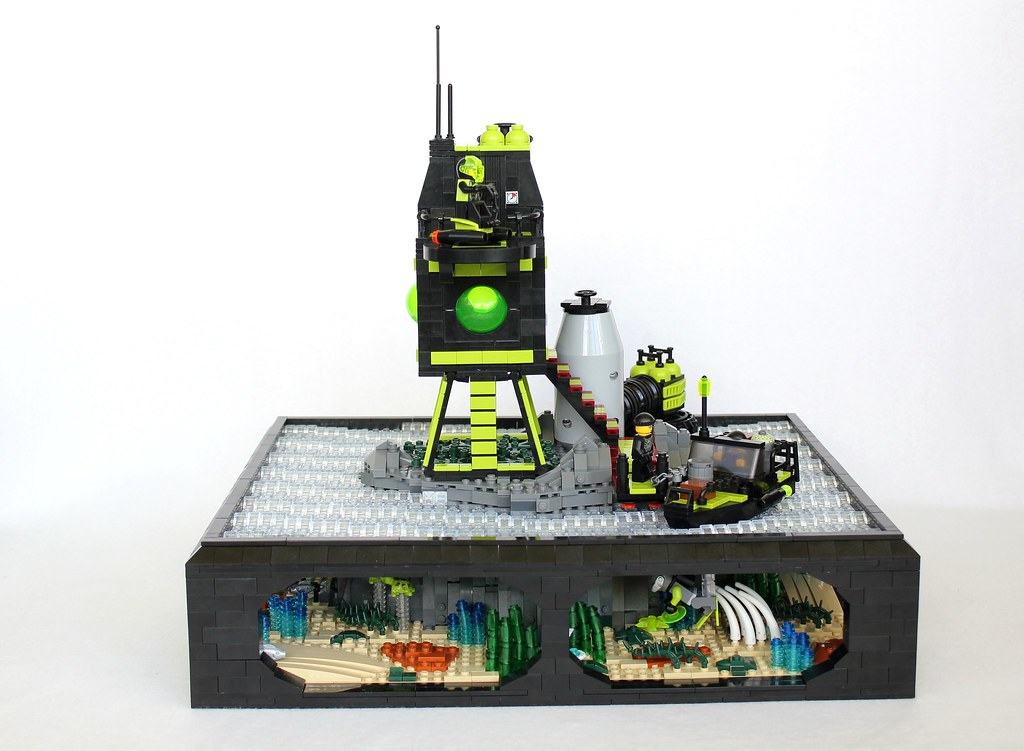 The world 39 s best photos of craft and mantis flickr hive mind for Lego world craft