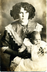 1913 Susie Belle Holtslander Johnson and daughter Thelma Johnson 1913 (ectopaper) Tags: johnson belle susie kansas thelma 1913 holtslander