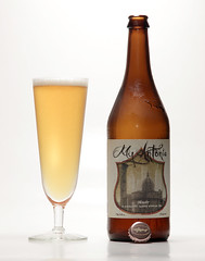 Dogfish Head, My Antonia (shyzaboy) Tags: usa beer glass de bottle delaware milton lager beerbottle dogfishhead myantonia imperialpilsner dogfishheadcraftbrewery doublepilsner imperialpils doublepils