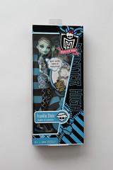 Frankie - Killer Style (crescentbeamshawl) Tags: dolls frankie stein mattel killerstyle monsterhigh dayatthemaul