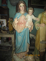 Blessed Virgin Mary and Holy Infant (Leo Cloma) Tags: philippines saints santos vecin cloma