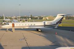Gulfstream netjets n528qs (totoro - David D.) Tags: canon aircraft aviation business canoneos avion gulfstream netjets 550 aroport lebourget businessjet 550d aronef gulstreamaerospace n528qs canoneos550d eos550d 550dcanon aroportlebourget eos550deos appareildaffaires