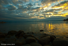 Winter Clouds (_Lawri_) Tags: sunset panorama lake beach clouds strand landscape see sonnenuntergang sundown stones wolken steine bodensee lakeofconstance weitwinkel