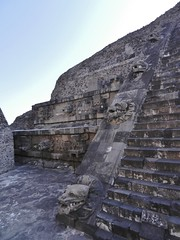 Plumed Serpent (Travis S.) Tags: stairs mexico pyramid teotihuacan shell jaguar northeast quetzalcoatl tiers piramide plumedserpent piramidedequetzalcoatl pyramidoftheplumedserpent