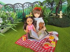 Emma and Ruruko (Flava Sweet) Tags: honey mattel petworks kellyclub pnxs flavasweet ruruko