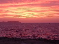 Puesta de sol en Sant Antoni (Eivissa) (bcnbelu84) Tags: sol sanantonio mar ibiza puestadesol eivissa ocaso mediterráneo anochecer crepúsculo santantoni marmediterráneo crepúsculovespertino