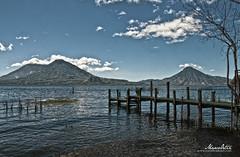 Lago de Atitlán, Guatemala (Marco Ortiz / IDEARTestudio) Tags: muelle guatemala atitlán volcanes lagodeatitlán sololá volcanesdeguatemala marcoortiz ideartestudio paisajedeguatemala marcoortizguatemala atitlándeensueño