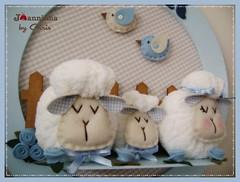 quadro porta maternidade (Joanninha by Chris) Tags: feitoamao handmade ovelhinha enxovalmenino quadro portamaternidade azul bege artesanato
