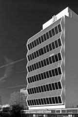 renold 3 (23/52) (studio zero) Tags: windows architecture buildings manchester concrete blackwhite pattern modernism polarized 1962 manchesteruniversity umist renoldbuilding studiozero cruikshankseward