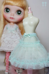 Mint ruffle skirt. (little dolls room) Tags: white bunny dress handmade lace blond blythe custom ooakdoll customdoll liccabody icerune