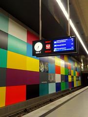 Georg Brauchle Ring, Mtro - Subway, Munich (blafond) Tags: colors underground subway munich metro couleurs ubahn munchen muenchen mvg georgbrauchlering