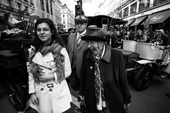 Facial expressions, The Regent Street Motor Show 2013 (fabiolug) Tags: street leica people blackandwhite bw london cars monochrome smile hat car festival scarf glasses blackwhite faces candid wide smiles streetphotography rangefinder wideangle regentstreet laugh scarves monochrom regentst classiccars biancoenero motorshow laughs superwideangle 21mm candidphotography londonist facialexpressions superwide leica21mm leicam superelmar leicasuperelmar21mmf34asph superelmar21mm regentstreetmotorshow theregentstreetmotorshow leicasuperelmar mmonochrom leicammonochrom leicamonochrom superelmar21mmf34asph leicasuperelmar21mm