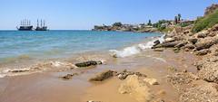 Side - beach panorama 6 (Romeodesign) Tags: sea panorama sun holiday beach strand turkey coast mediterranean riviera side ships urlaub trkiye wide trkei antalya shore peninsula turkish 550d pamphylian