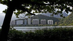 """a lagoa • <a style=""""font-size:0.8em;"""" href=""""http://www.flickr.com/photos/49384591@N00/12502878145/"""" target=""""_blank"""">View on Flickr</a>"""