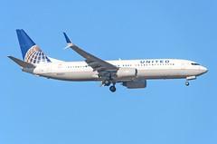 United Boeing 737-824 N37277 (MSN007) Tags: airport iad air united boeing split airways airlines 800 737 winglets kiad 737824 scmitar n37277
