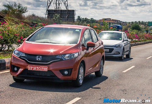 2015-Honda-Jazz-vs-Hyundai-Elite-i20-04