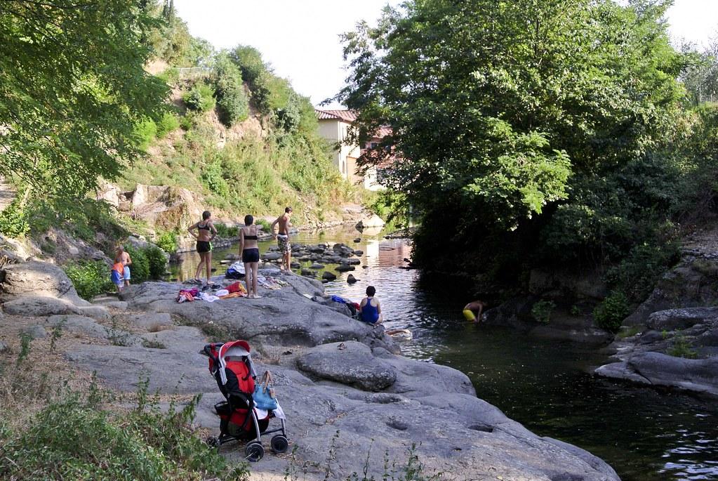 In fuga dal grande caldo alla scoperta dei fiumi valdarnesi ecco dove fare il bagno immersi - Lago di bolsena dove fare il bagno ...