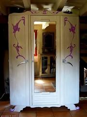 Armoire couleur beige moyen et rose bonbon (Ambiances Bois & Patines) Tags: france beige bretagne peinture meuble armoire relooking rosebonbon pillotou ambiancesboispatines