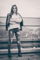 Streetshooting. (Mia Graphya) Tags: portrait woman gril mädchen frau fotografie photography fotoshooting shooting fashion mode modern outdoor street streetfotografie parkhaus natur nature schwarzweis schwarzweiss blackwithe hightfashion beauty cool sexy parkdeck brücke laub herbst autumn
