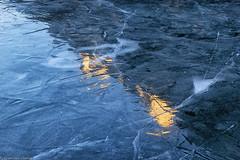 Caldi riflessi glaciali (cesco.pb) Tags: lagodibraies ghiaccio ice inverno winter altoadige sudtirol italia italy dolomiten dolomiti dolomites alps alpi canon canoneos60d tamronsp1750mmf28xrdiiivcld