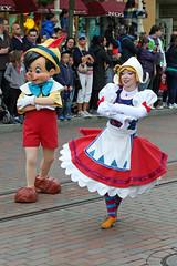 The Disney Evening Parade (G w Clark) Tags: france disneyland disney eurodisney waltdisney disneylandparis pinokio waltdisneystudios